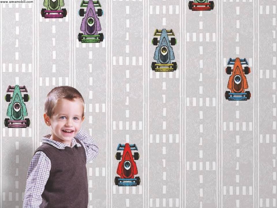 Carta da parati macchine formula uno for Tappezzeria bambini