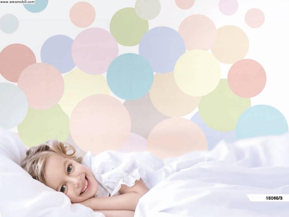 Mille bolle colorate per la carta da parati della cameretta for Tappezzeria bambini